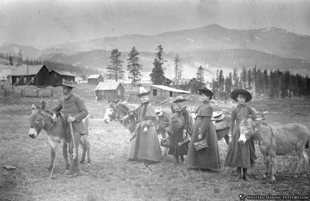 Annie Oakley and friends visit Alma in 1883