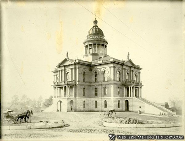 Auburn California Courthouse late 1890s