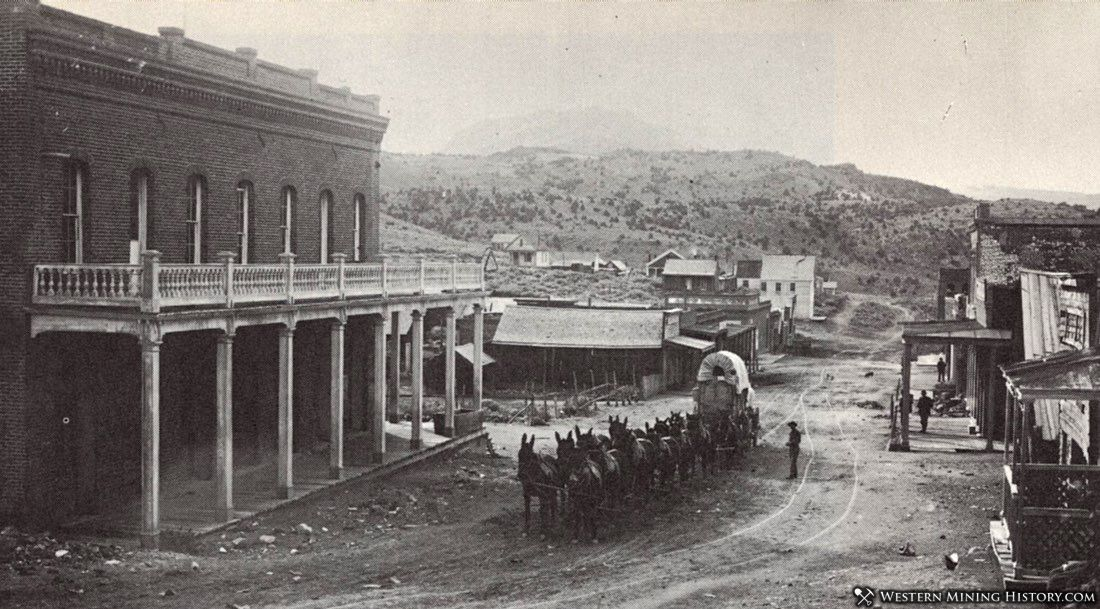 Freight wagon in front of the original Mono County courthouse in Aurora 1907