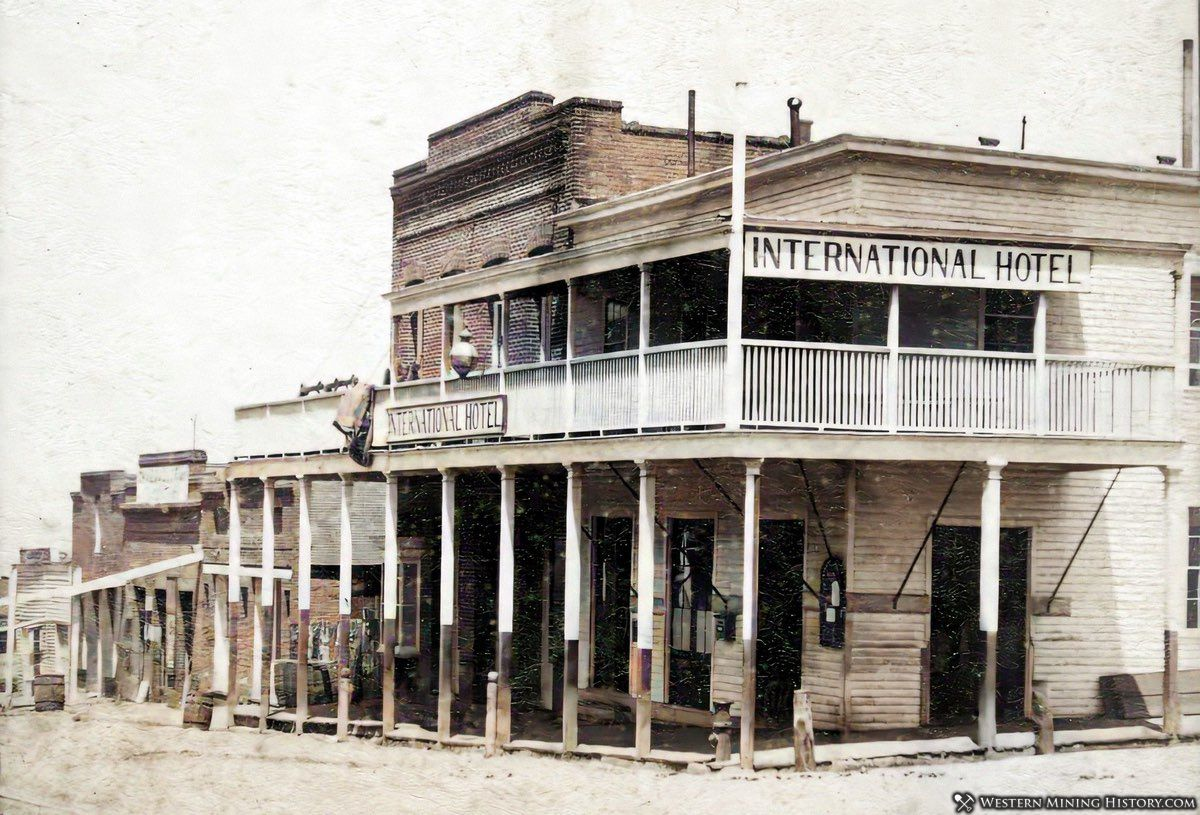 International Hotel - Austin Nevada