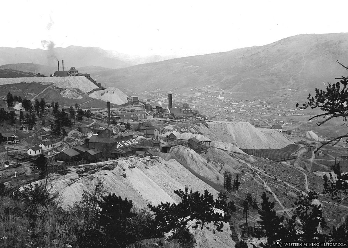 Battle Mountain Mines above Cripple Creek Colorado ca. 1900