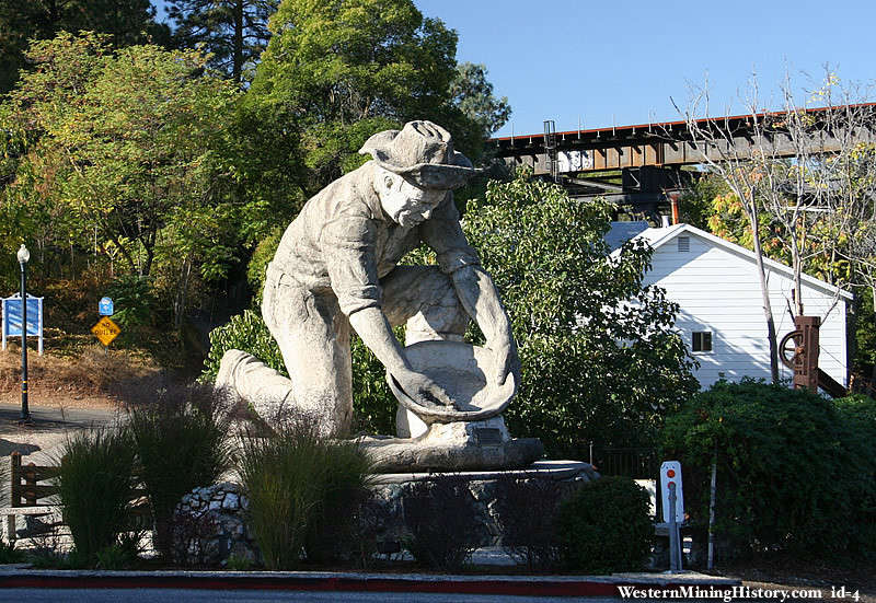 Statue of a gold miner at Auburn California