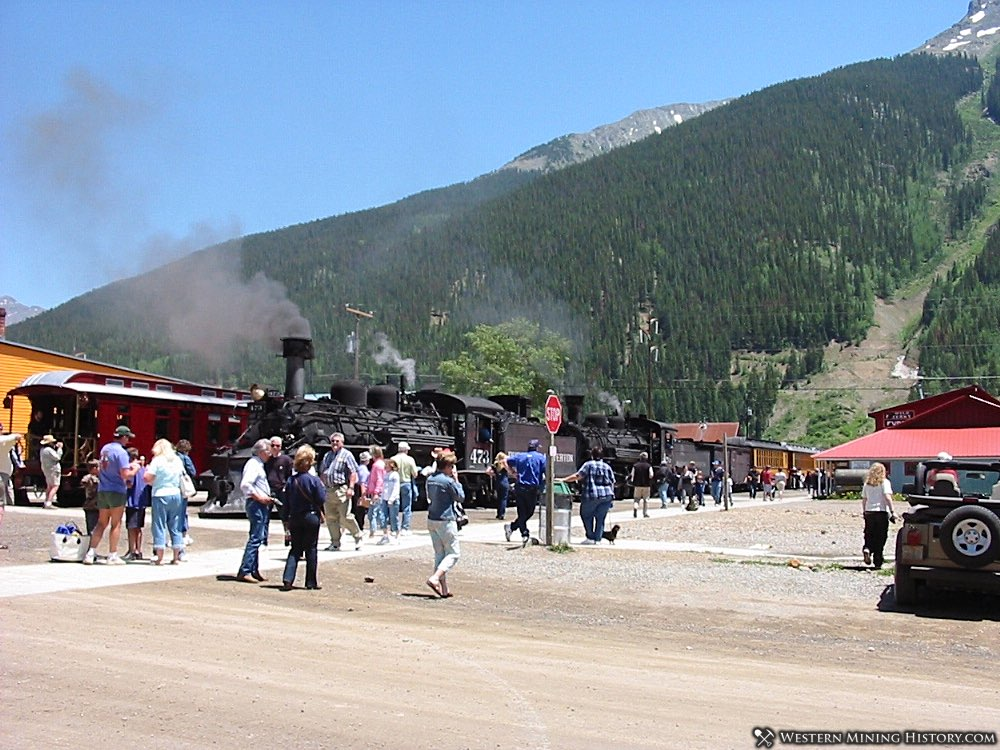 Tourists at the narrow gauge railroad at Silverton