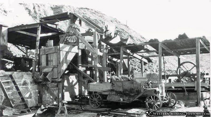 Automobile powers an improvised mill at Congress Arizona 1923