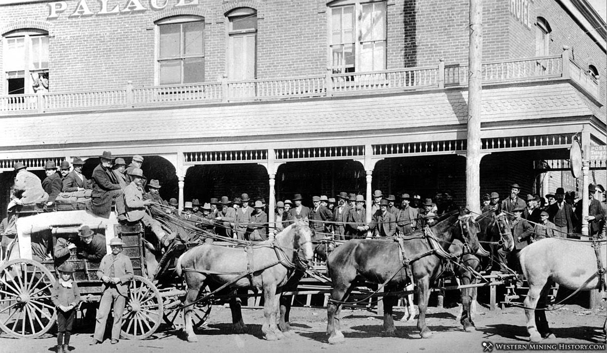 Departure of stage in Cripple Creek ca 1895