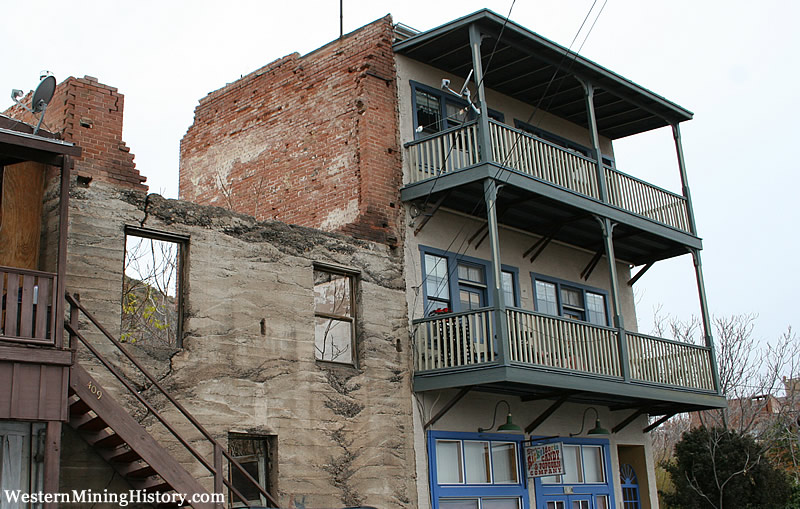 Typical state of buildings in Jerome today