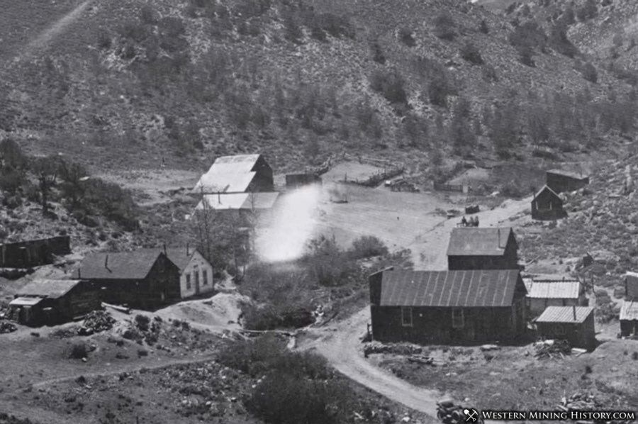 Middle portion of the Masonic mining town