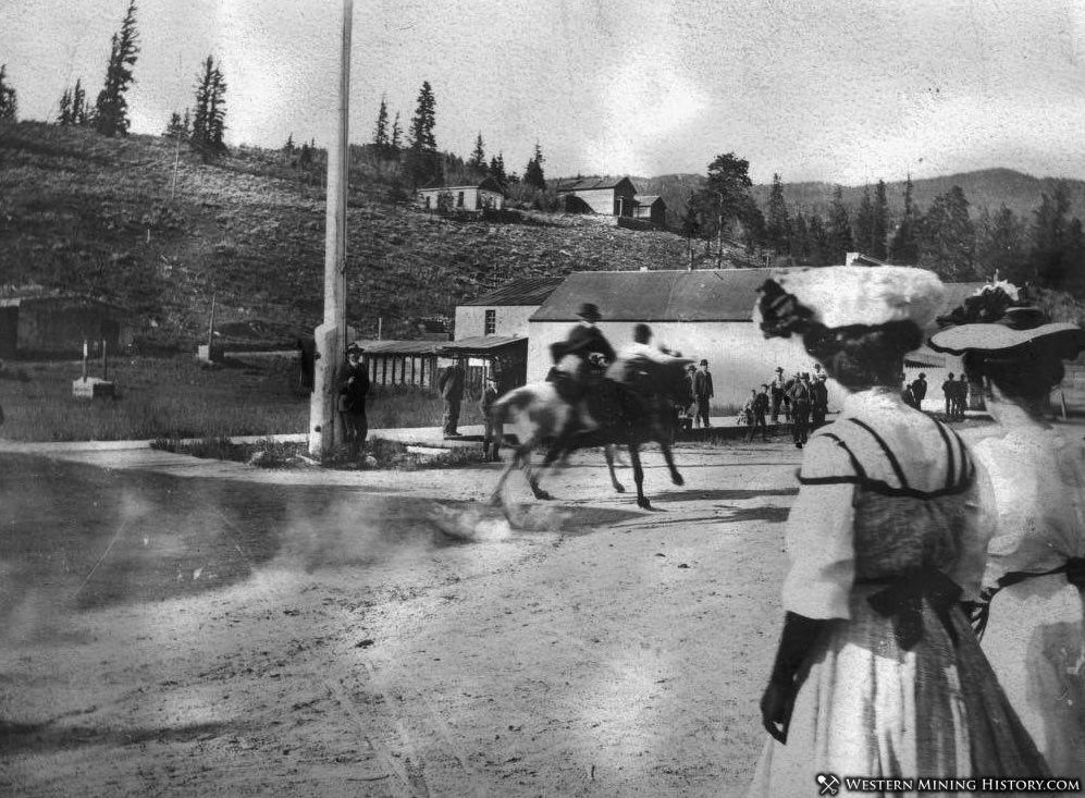 Horse race at Pitkin, Colorado 1907