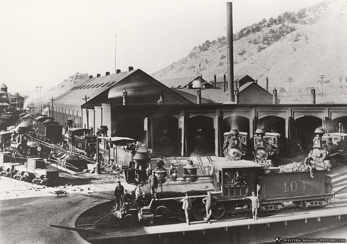 Roundhouse at Salida Colorado ca. 1890