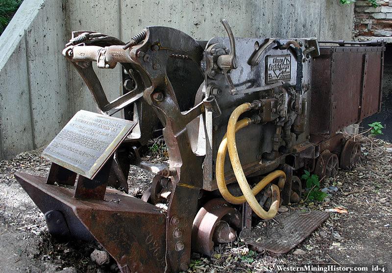 Antique shovel loader - Park City