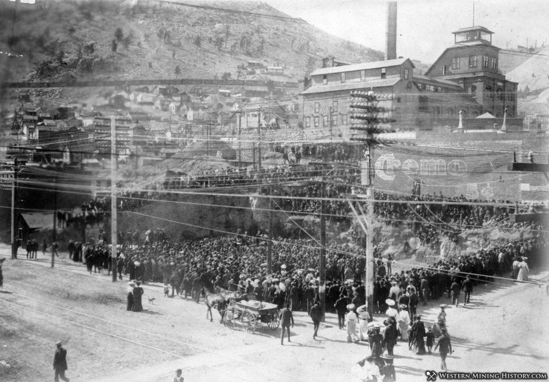 Crowd assembled at miners strike - Victor Colorado 1904