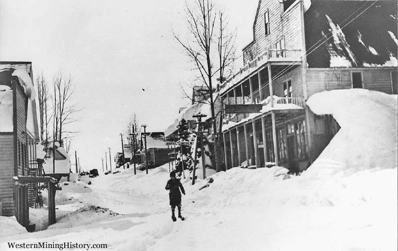 Skiing on Main Street - Cornucopia