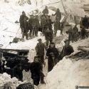 Men dig out after the Mace, Idaho 1910 avalanche