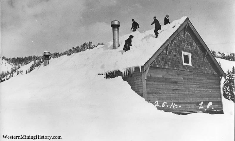 Snow up to roof - Cornucopia