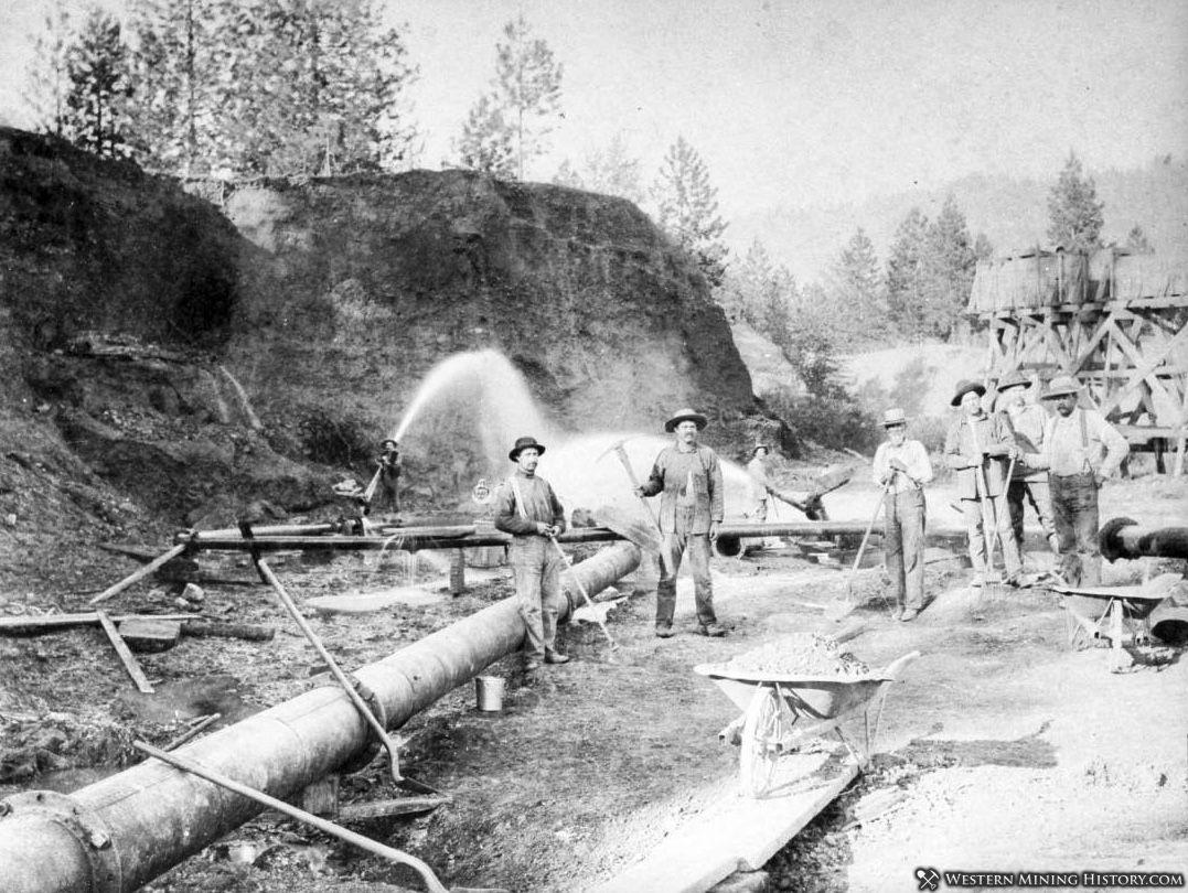 Wright and Fletcher hydraulic mine near Oro Fino ca. 1903