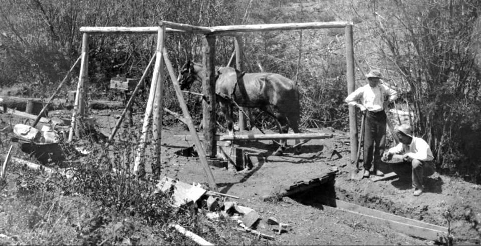 Arrastra on Jackson Creek - Jackson County, Oregon, ca.1909