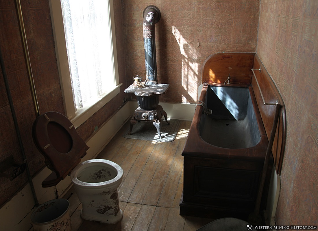 Late 1800's Era Bathroom